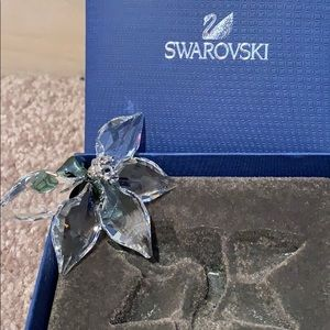 Swarovski Other - Swarovski Flower Pedal